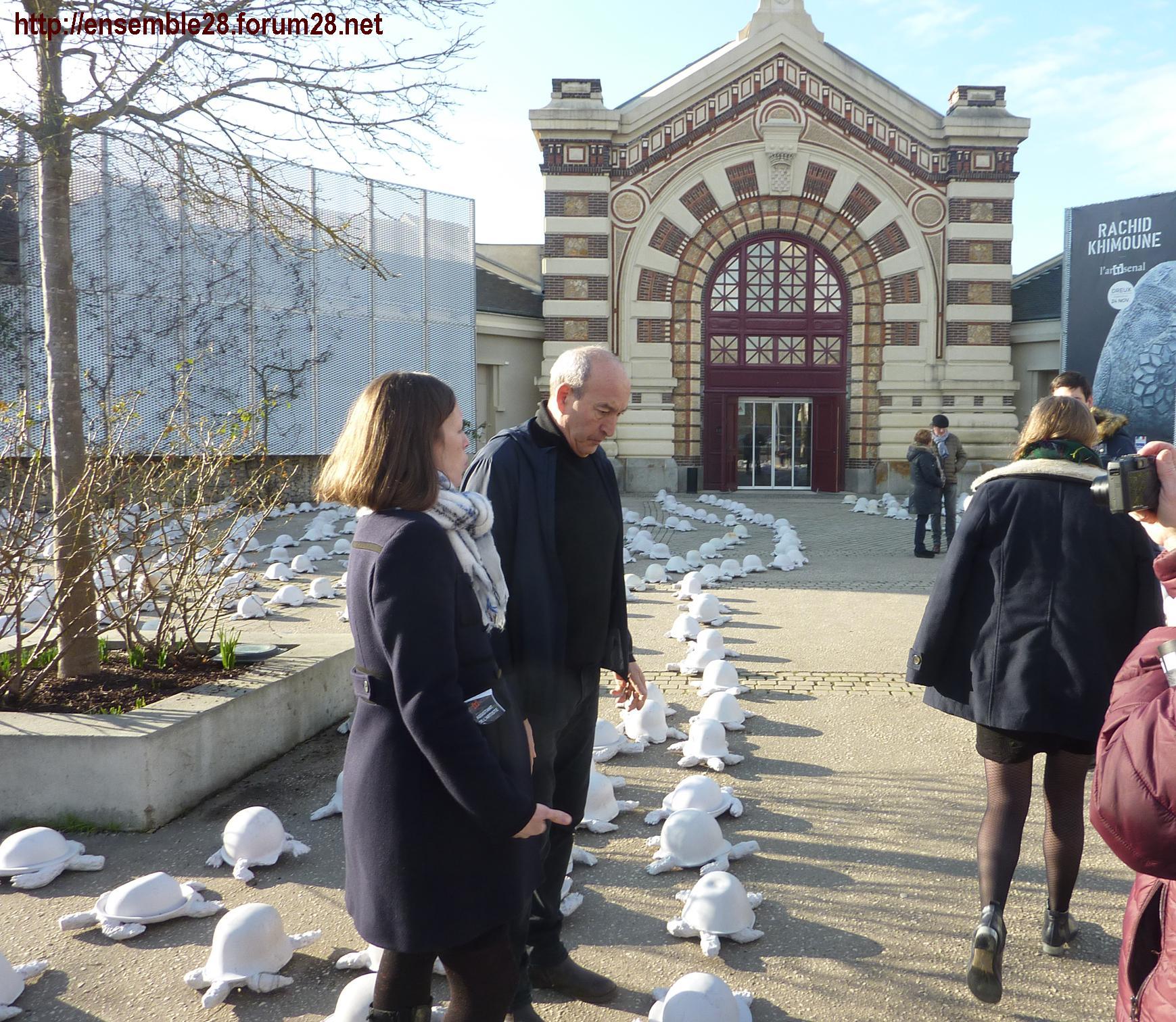 Rachid Khimoune devant 1000 Tortues pour la Paix Ar[T]senal Dreux