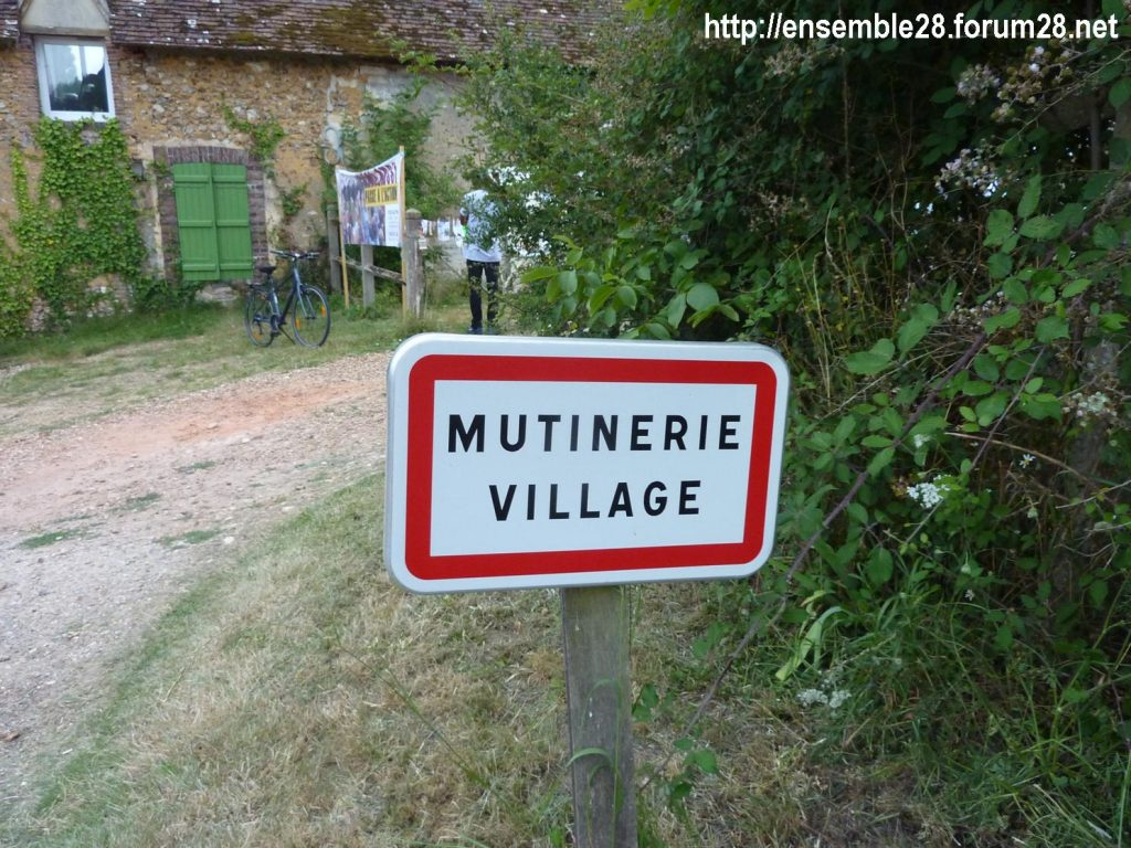 12-07-2018 St-Victor-de-Buthon Tour Alternatiba 16 Mutinerie-Village