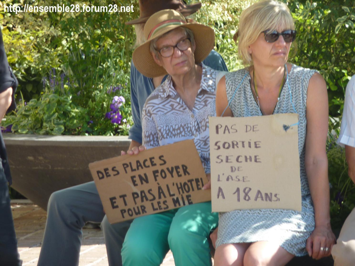 Chartres 04-07-2018 Rassemblement CRSP28 E&L-Terre-d'Accueil Conseil-départemental 02