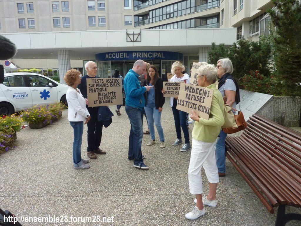 Chartres 06-09-2018 Hôpital Mineurs étrangers isolés Tests osseux Protestation CRSP28 Eure-et-Loir-Terre-d'Accueil 2