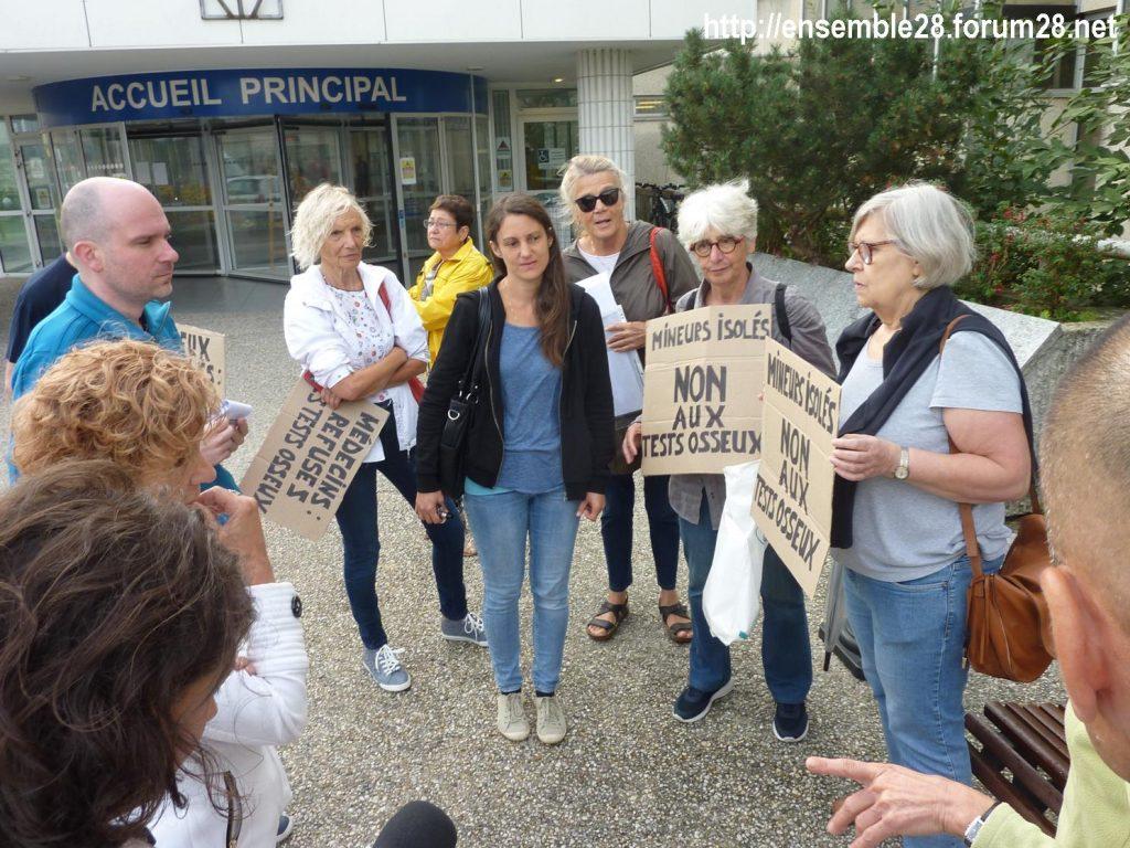 Chartres 06-09-2018 Hôpital Mineurs étrangers isolés Tests osseux Protestation CRSP28 Eure-et-Loir-Terre-d'Accueil 3