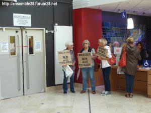 Chartres 06-09-2018 Hôpital Mineurs étrangers isolés Tests osseux Protestation CRSP28 Eure-et-Loir-Terre-d'Accueil 4