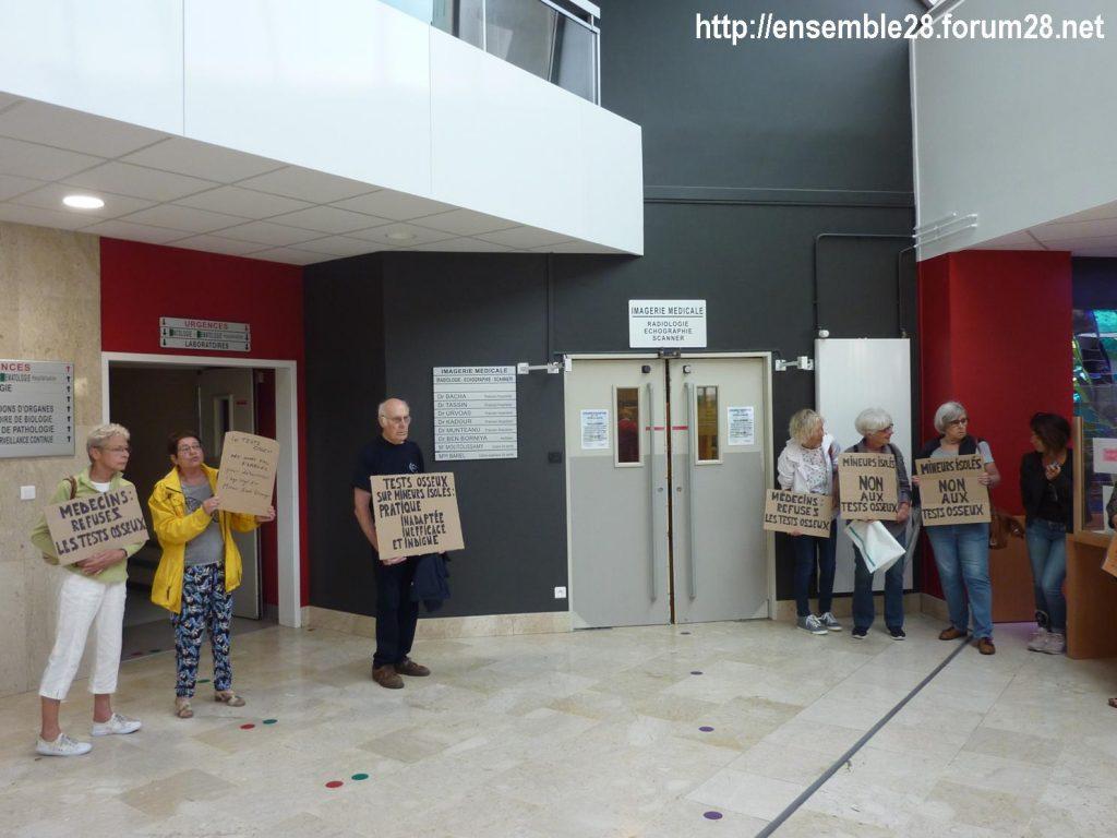 Chartres 06-09-2018 Hôpital Mineurs étrangers isolés Tests osseux Protestation CRSP28 Eure-et-Loir-Terre-d'Accueil 5