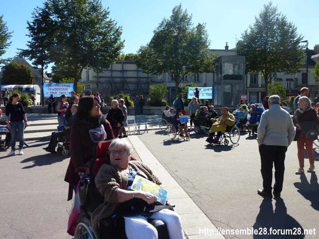 Chartres 26-09-2018 manifestation APF-France-Handicap Accessibilité 06