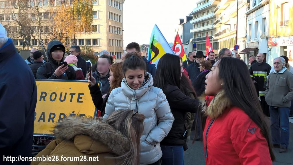 Chartres 14-12-2018 Manifestation CGT FO FSU Solidaires Gilets-Jaunes 05