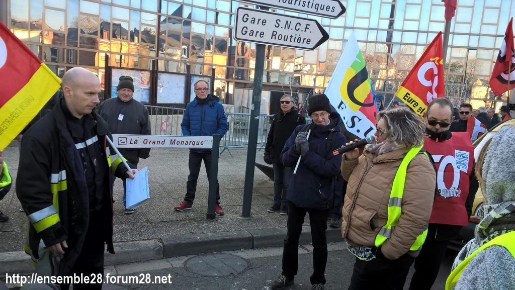 Chartres 14-12-2018 Manifestation CGT FO FSU Solidaires Gilets-Jaunes 07