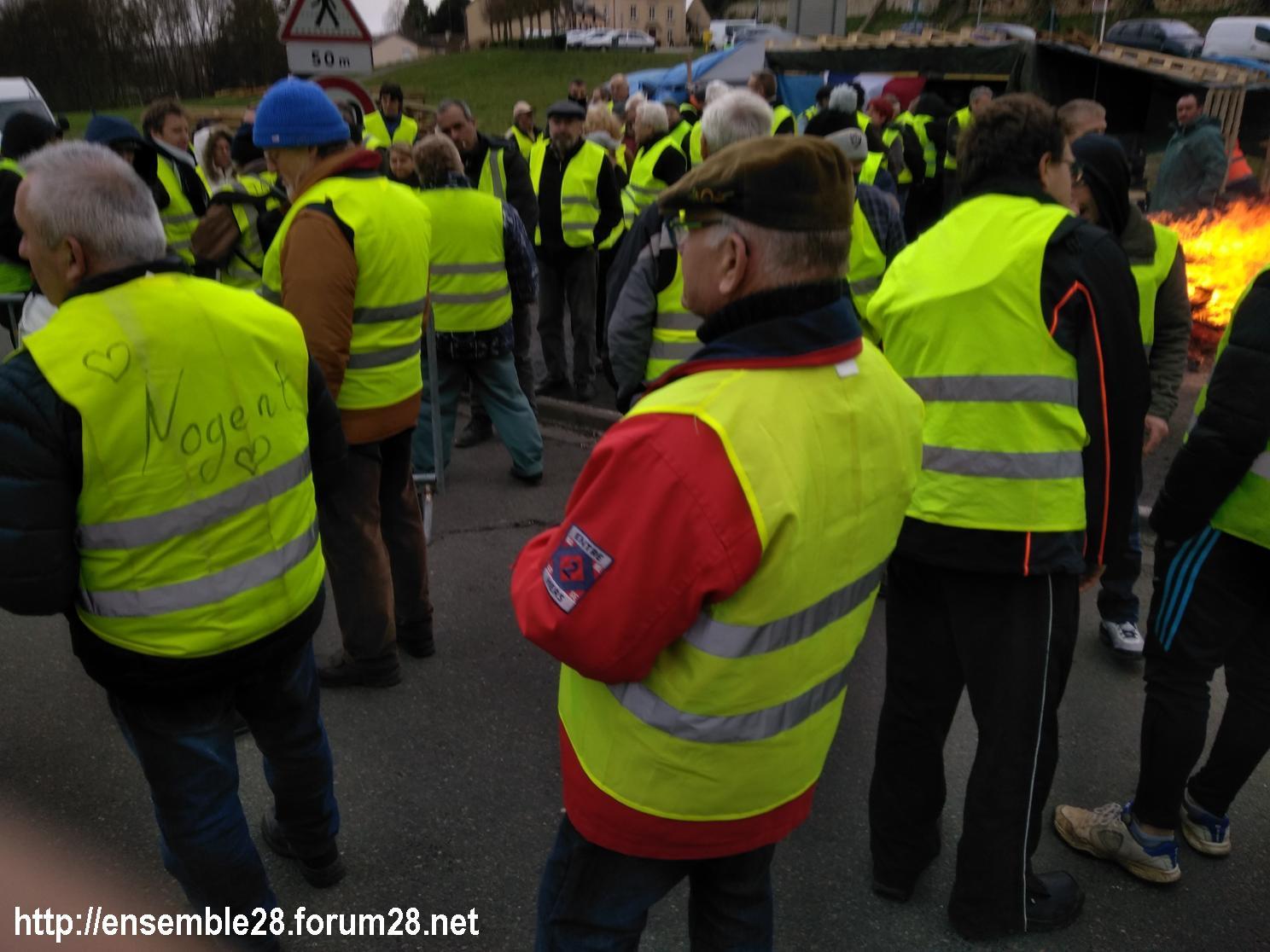 Nogent-le-Rotrou 08-12-2018 Gilets-Jaunes Manifestation Margon Rond-point 01