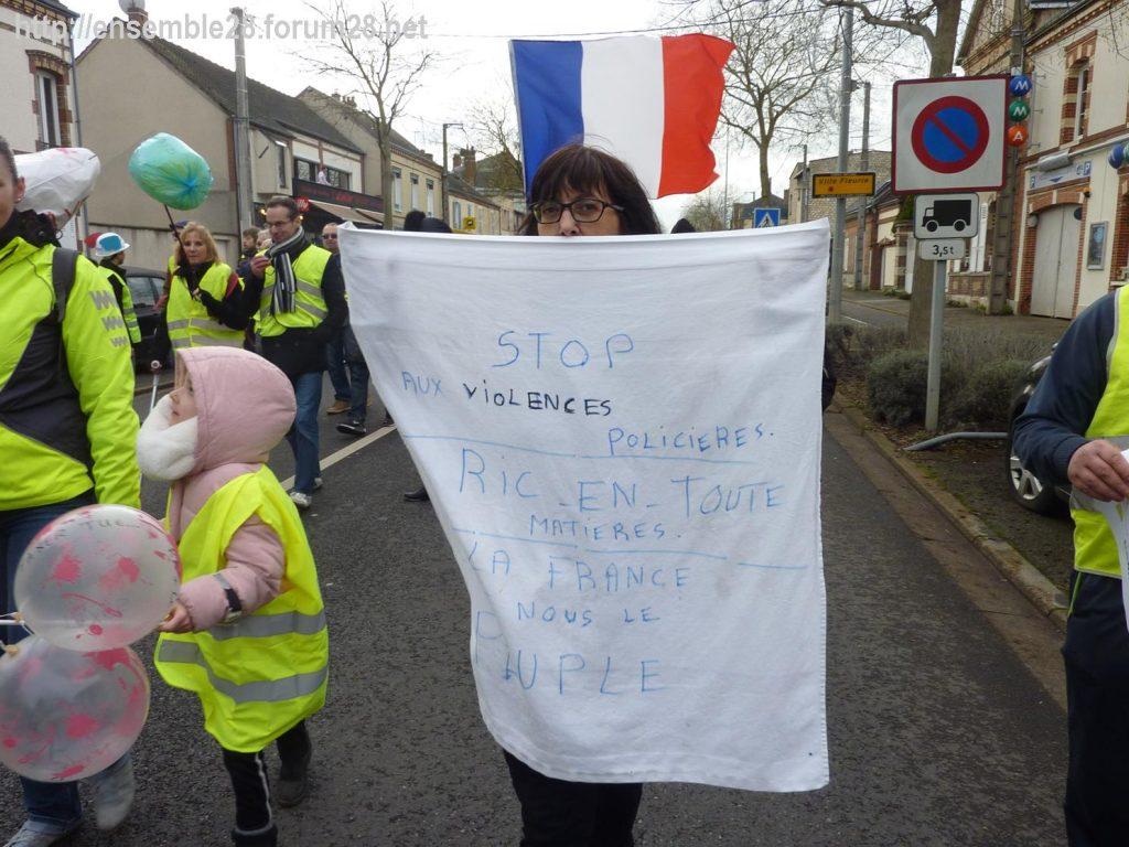 Chartres 12-01-2019 Manifestation Gilets-Jaunes 11