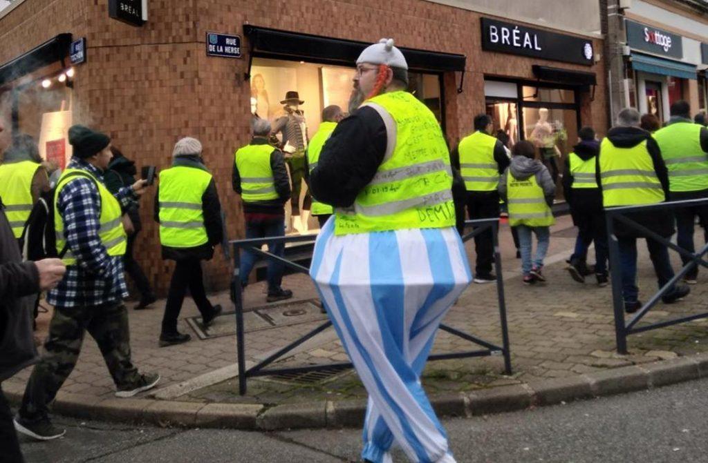 Gilets Jaunes Nogent-le-Rotrou Rond-point Michel-Hoguet 05-01-2019 Marche Gaulois-réfractaire 2