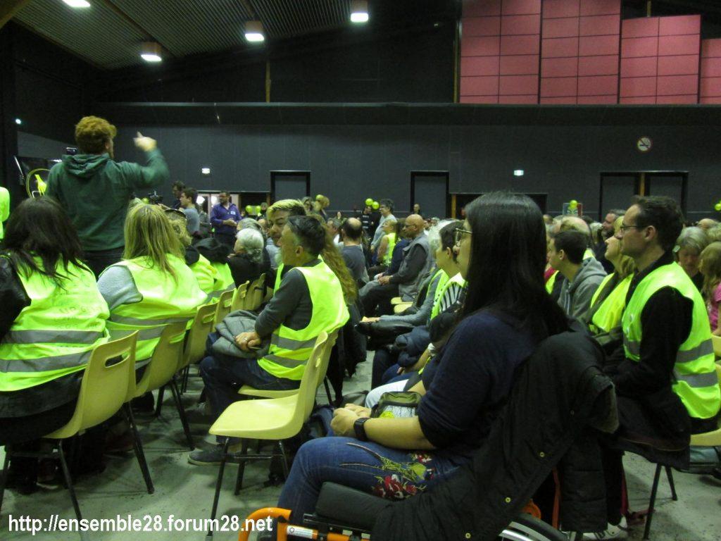 Chartres 15-02-2019 Assemblée-citoyenne Gilets-Jaunes 00-19 Une intervention dans la salle