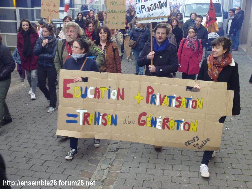 Chartres 19-03-2019 Manifestation Public-Privé CGT FO FSU Solidaires 04