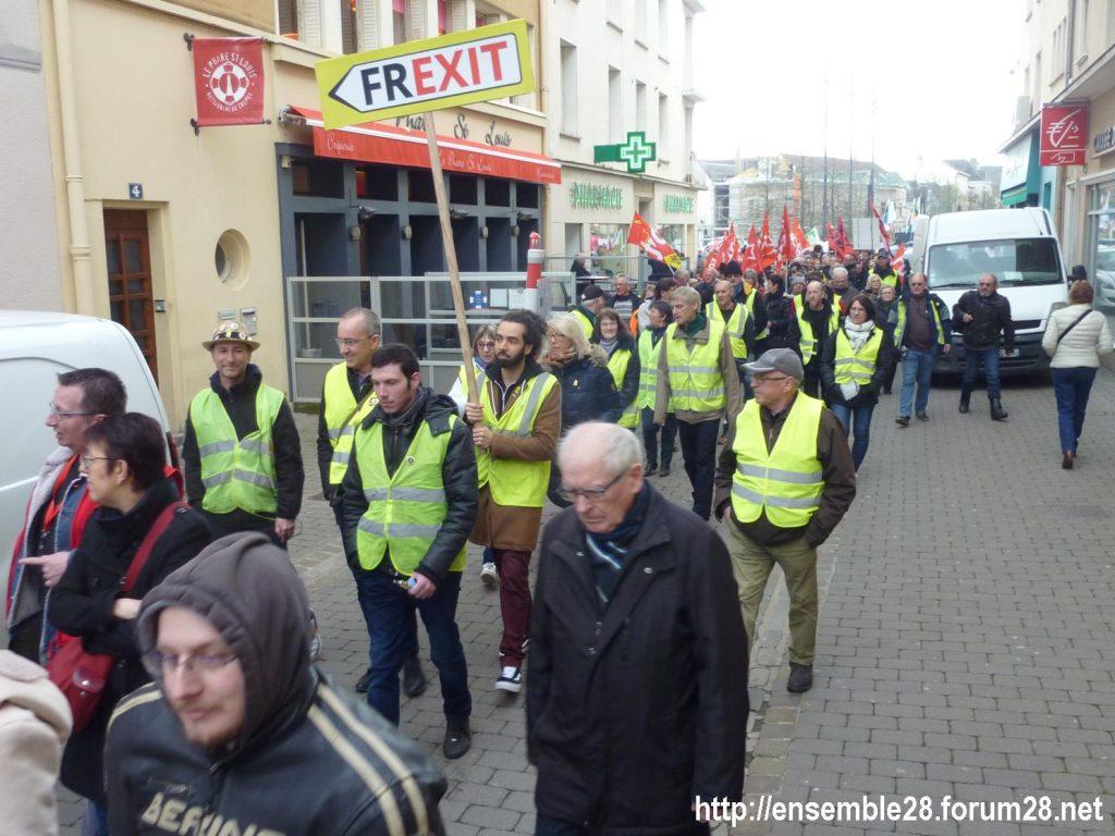 Chartres 19-03-2019 Manifestation Public-Privé CGT FO FSU Solidaires 11