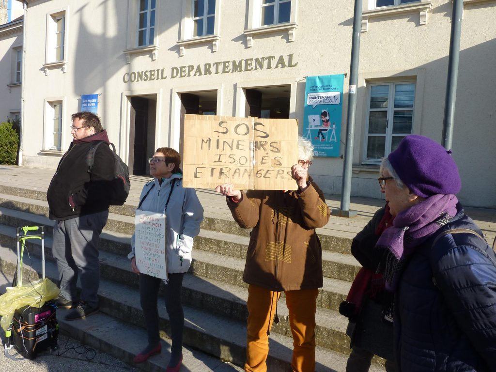 Chartres Conseil départemental AERéSP SOS Mineurs isolés étrangers 00