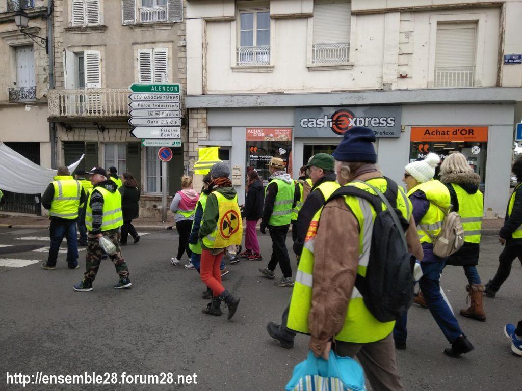 Nogent-le-Rotrou Gilets-Jaunes 02-03-2019 Marche rue Saint-Hilaire