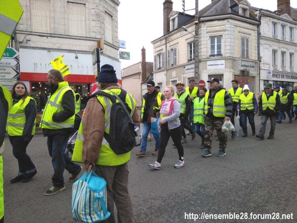 Nogent-le-Rotrou Gilets-Jaunes 02-03-2019 Marche rue Villette-Gaté
