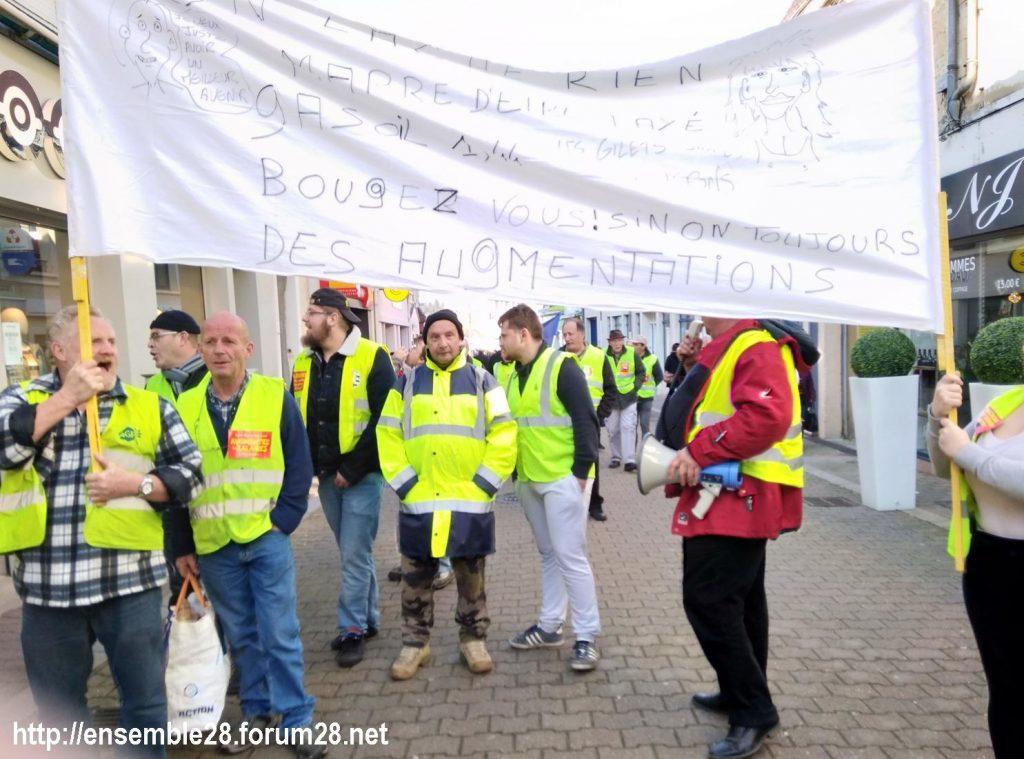 Nogent-le-Rotrou Gilets-Jaunes 23-02-2019 Marche rue de la Herse