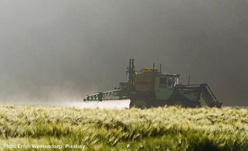 Épandage de pesticides [photo]