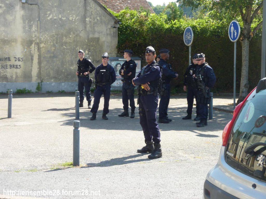 Nogent-le-Rotrou 06-09-2019 Lycée Rémi-Belleau Gilets-Jaunes Visite Blanquer 02