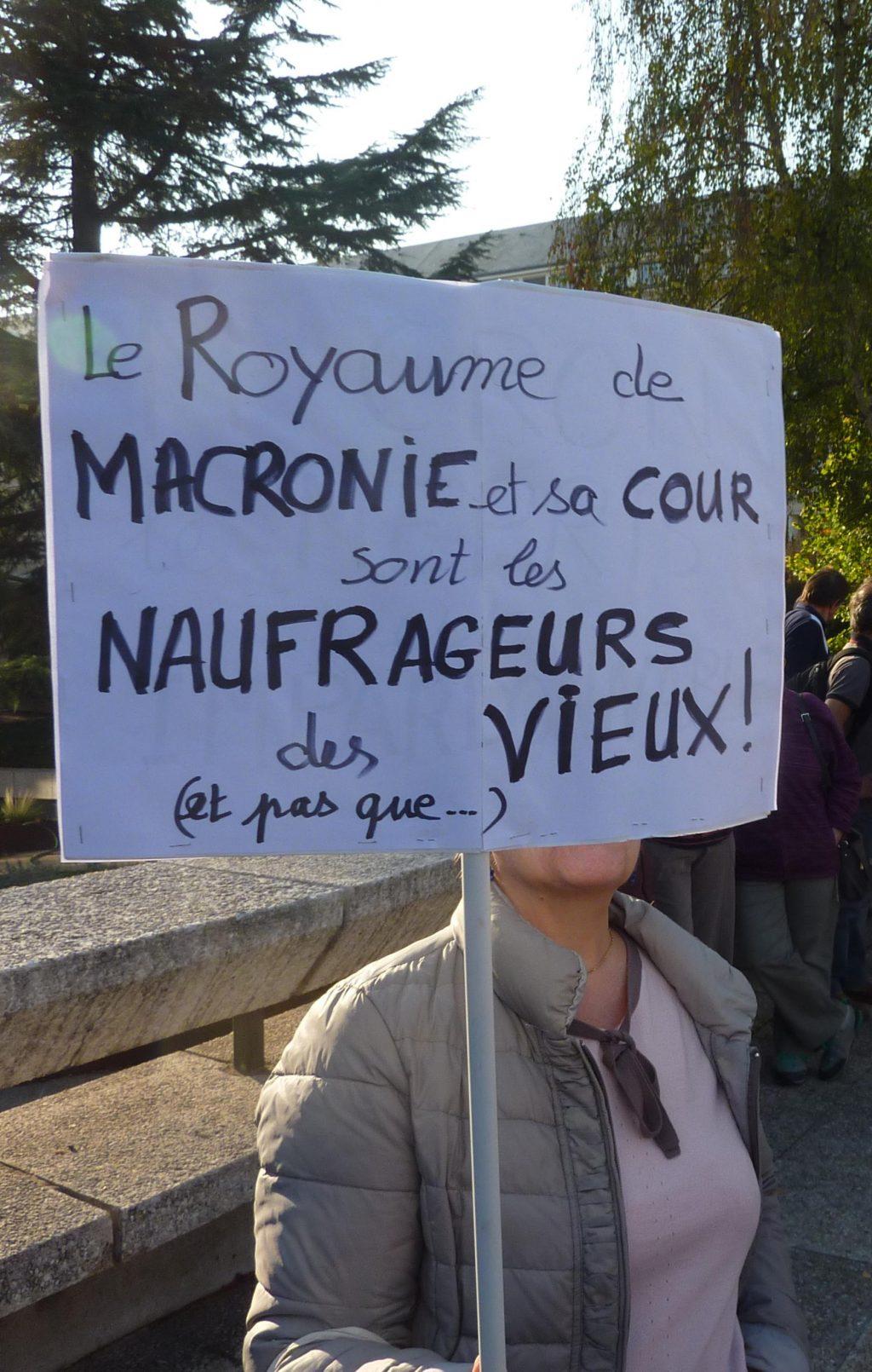 Pancarte Retraites Chartres