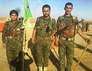 Combattants du YPG (2015) [Photo WikimediaCommons, BijiKurdistan]