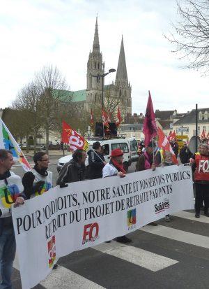 Non à la retraite par points / Grève et manifestation / place des Halles / 5 décembre / 14 h. 30 @ CHARTRES