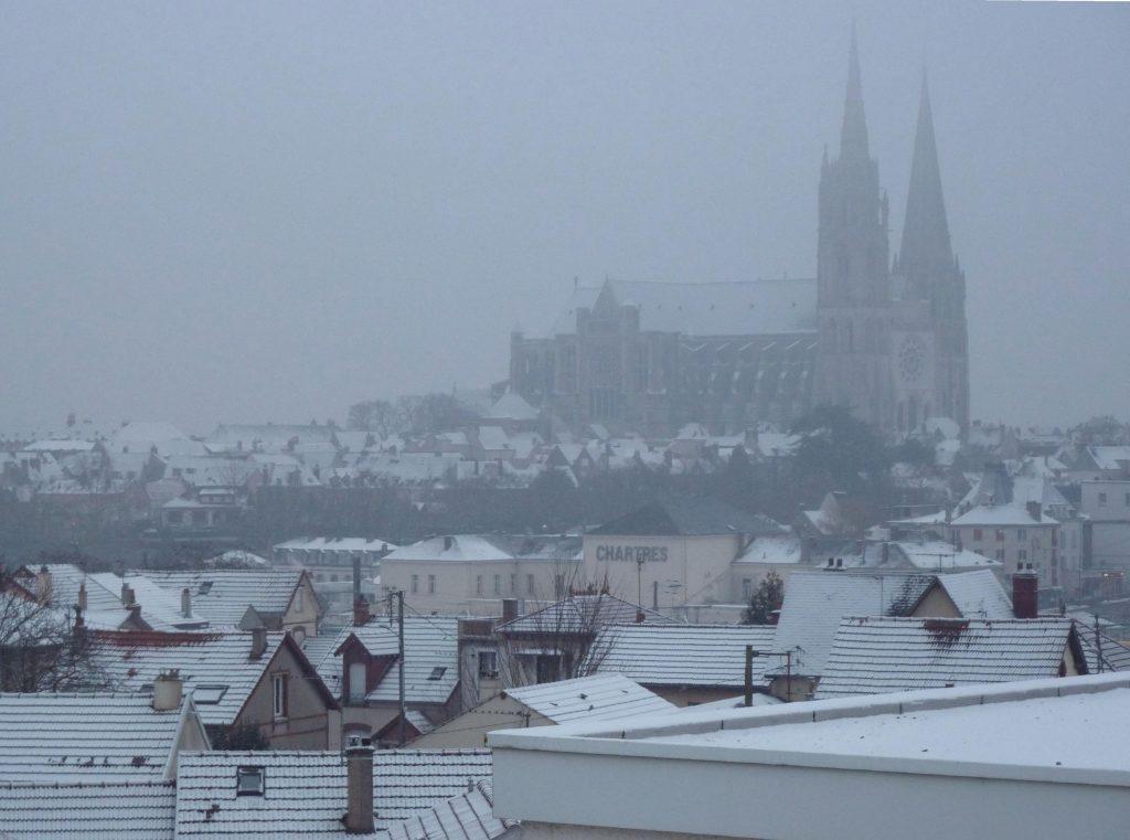 Chartres enneigé