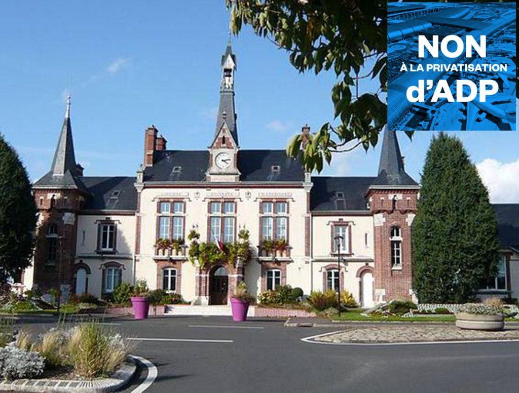 Mairie_'La_Folie'_Mainvilliers_Eure-et-Loir_France [WikimediaCommons, Le Passant +visuel]