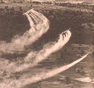 Agent Orange Épandage sur le Vietnam [WikimediaCommons, USAF]