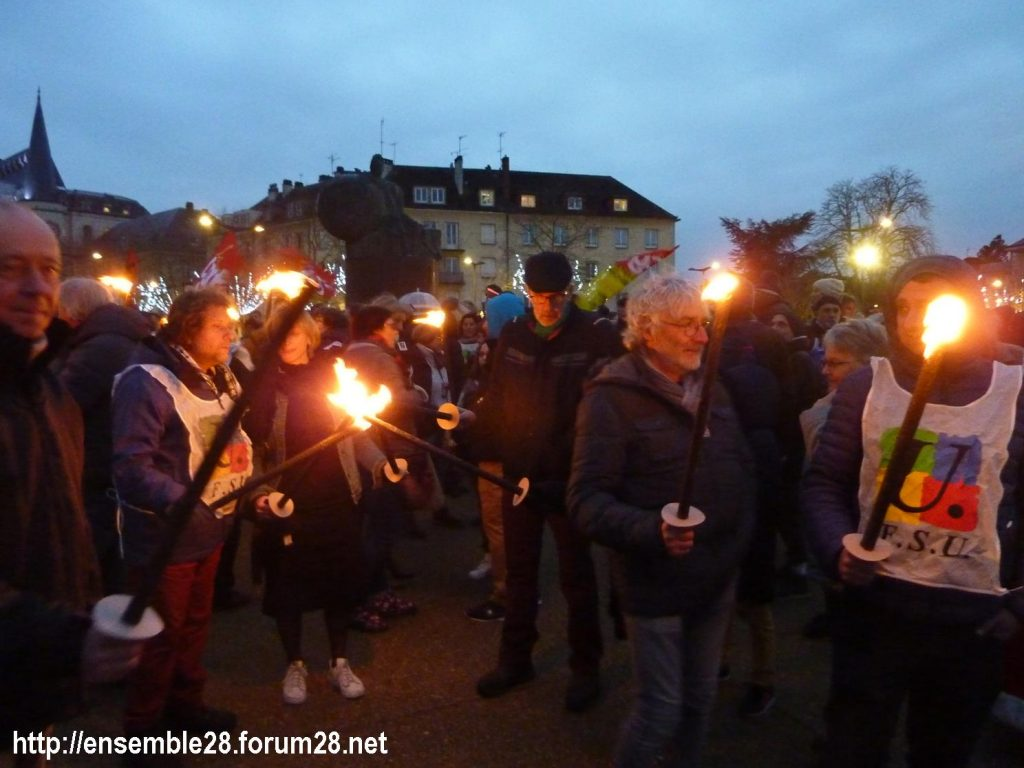 Chartres 21-12-2019 Manifestation Nos-Retraites-aux-flambeaux 03