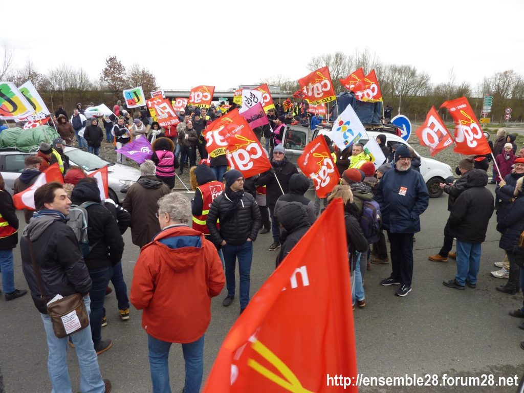 Chartres 14-01-2020 Manifestation Retraites Rond-point MEDEF 05
