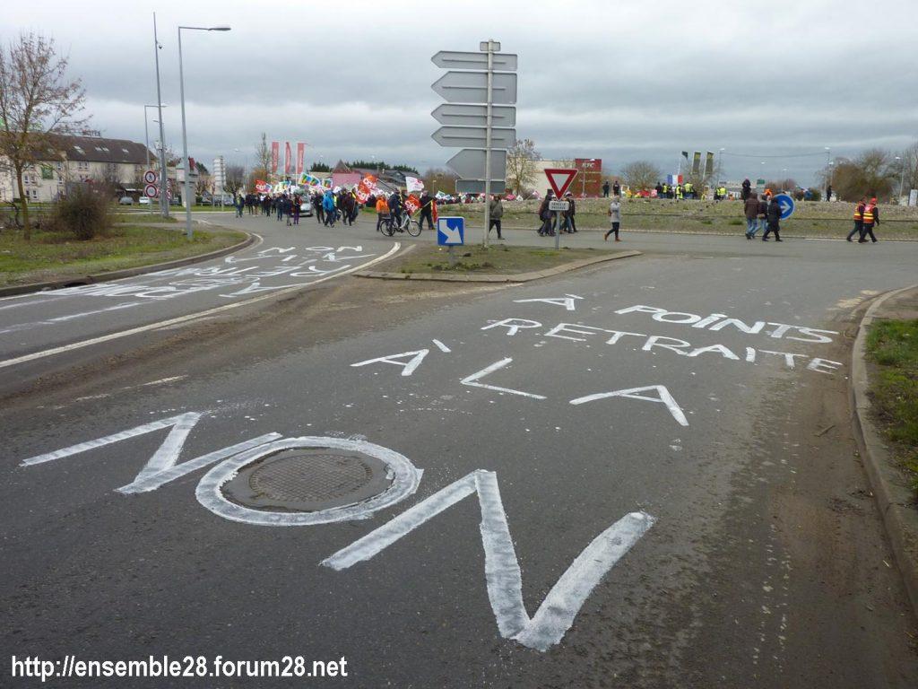 Chartres 14-01-2020 Manifestation Retraites Rond-point MEDEF 06