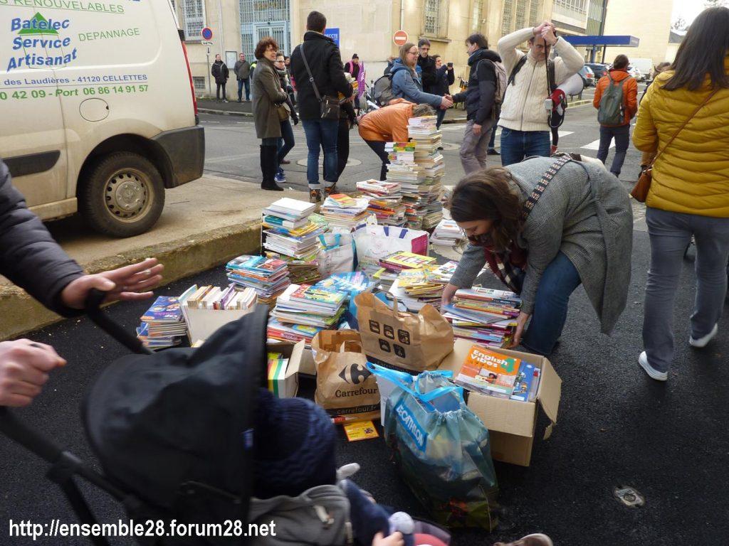Chartres 29-01-2020 Rassemblement Éducation Des manuels pour Jean-Michel 01