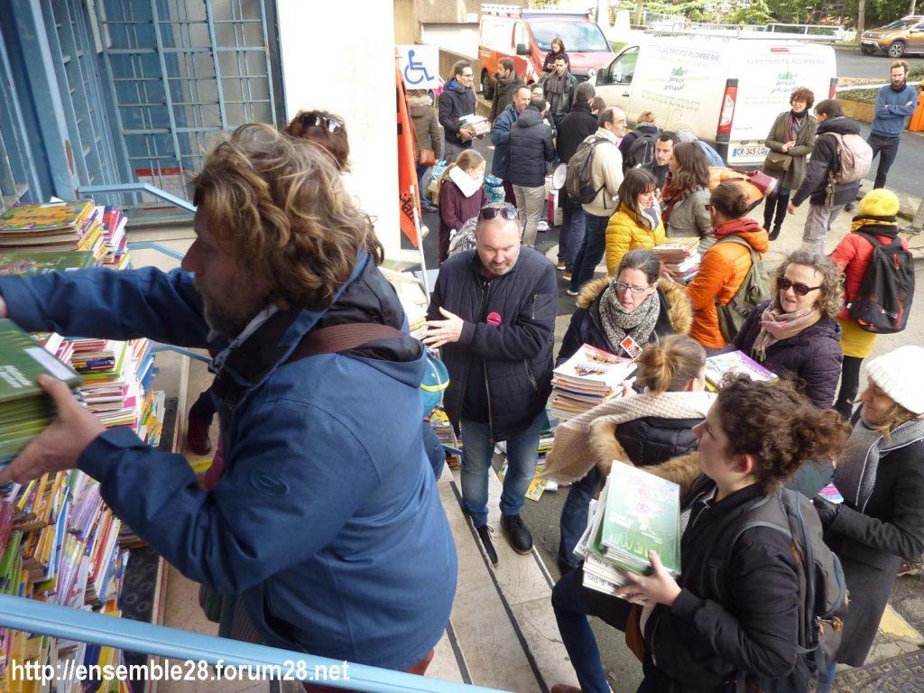 Chartres 29-01-2020 Rassemblement Éducation Des manuels pour Jean-Michel 02