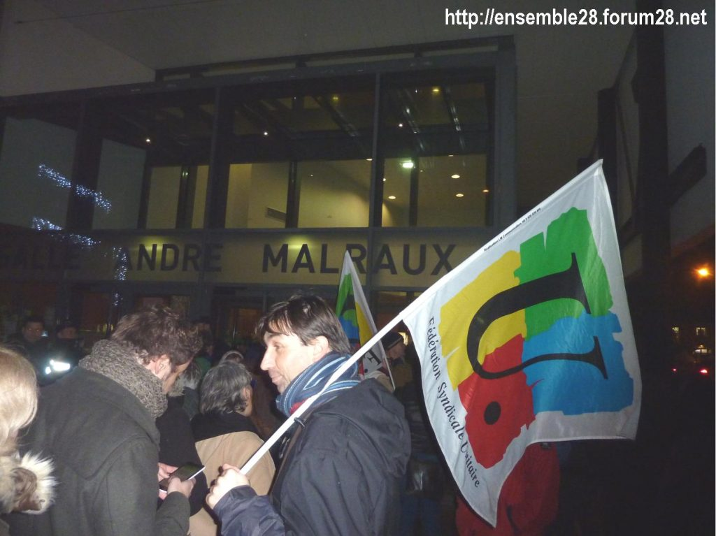 Luisant 09-01-2020 Voeux LREM Kasbarian Manifestants Retraites 04