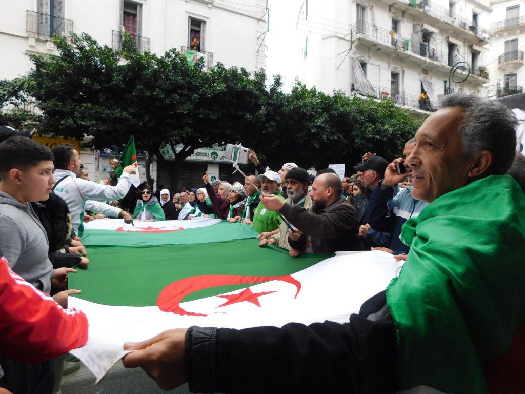 Alger 27-12-2019 [Photo n°2 Jean-François Le Dizès ]