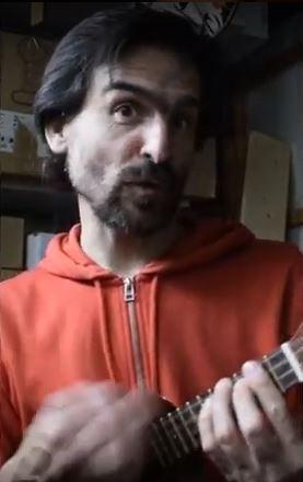 Le Nogentais Mathieu Barbances interprète La Chanson masquée @ sur ensemble28.forum28.net