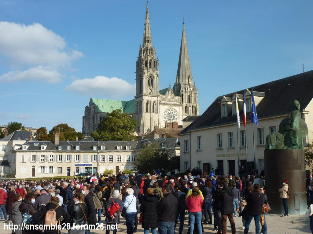 18-10-2020 Chartres Rassemblement Hommage Samuel Paty 03