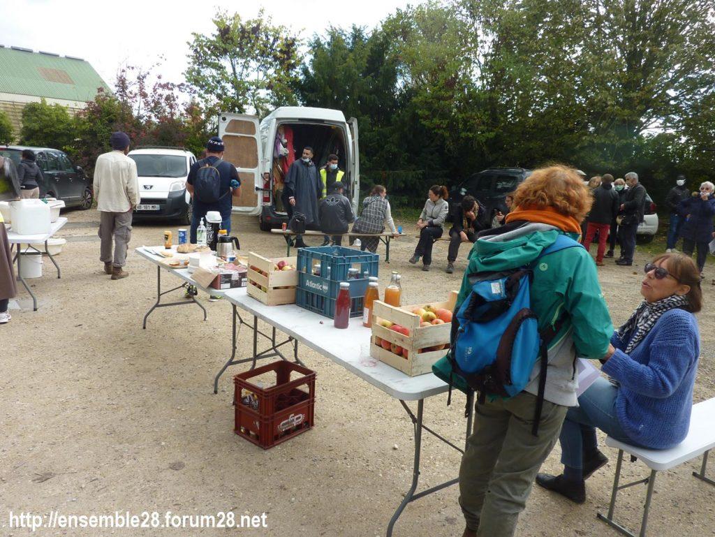 2020-10-13 Marche des Sans-Papiers La-Taye 01