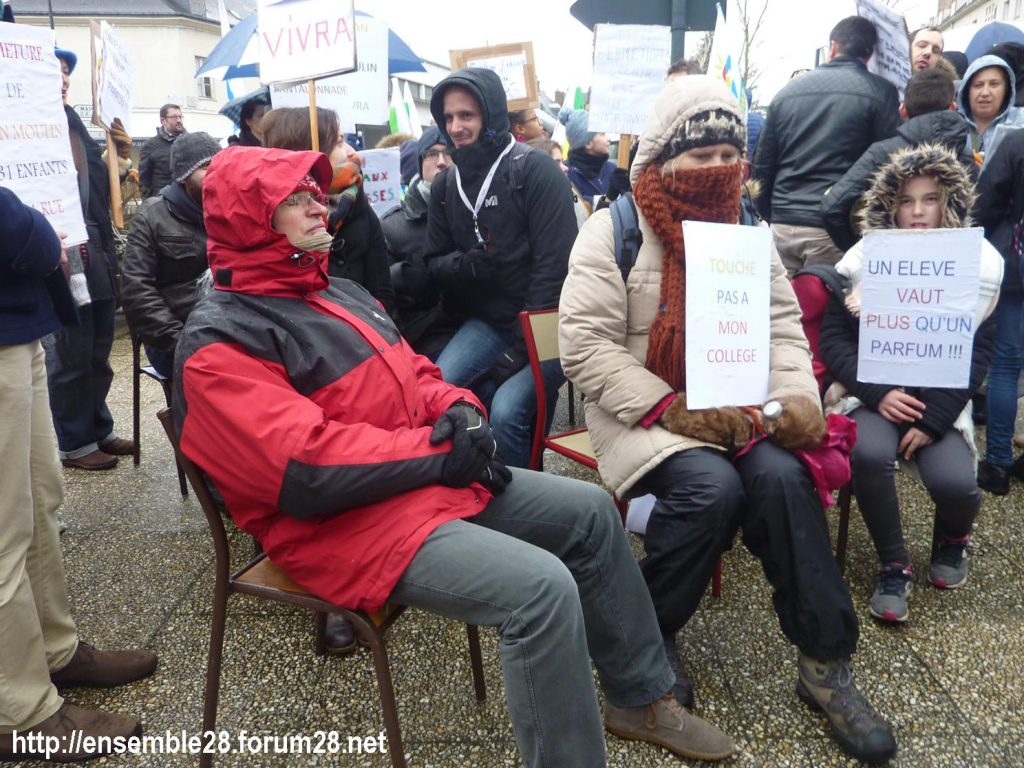 Chartres 13-02-2018 Rassemblement Fermeture Collège Jean-Moulin 09