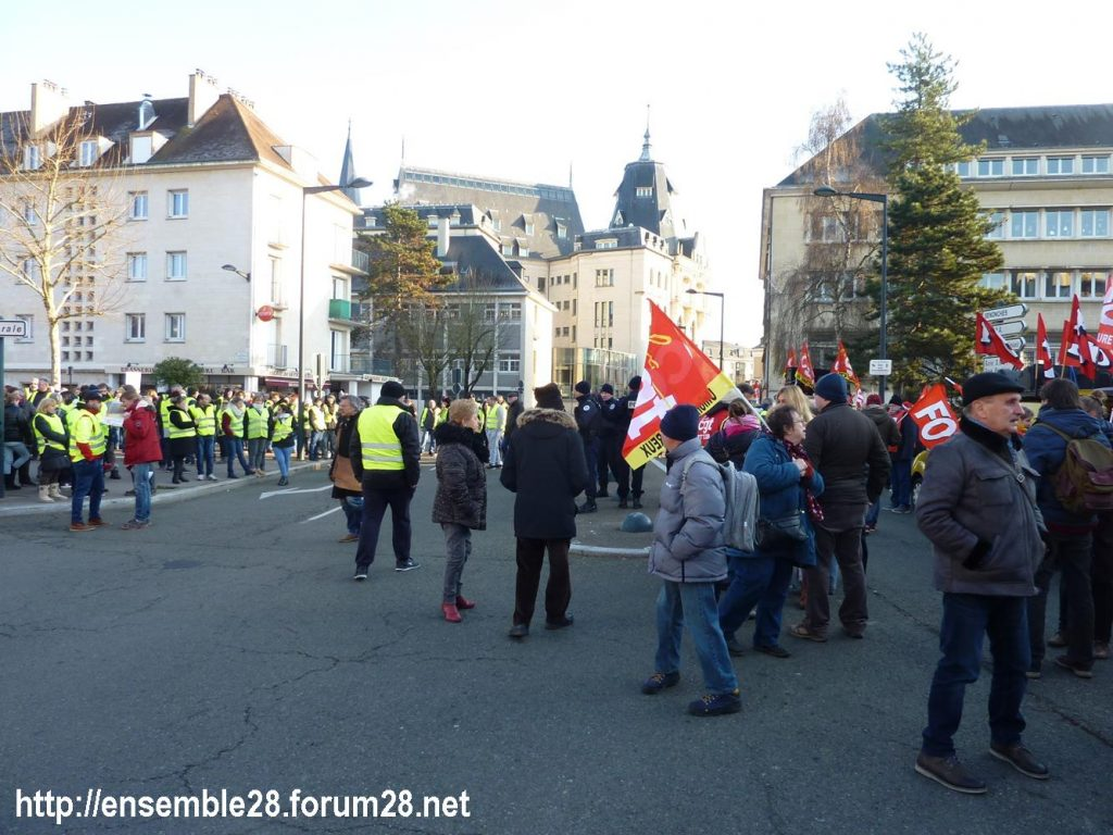 Chartres 14-12-2018 Manifestation CGT FO FSU Solidaires Gilets-Jaunes 02