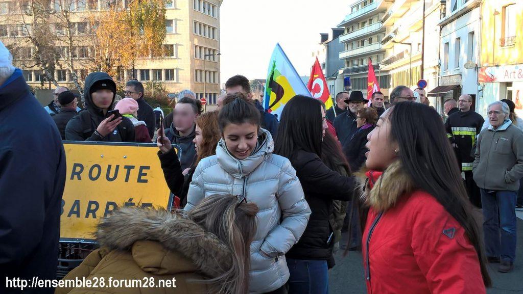 Chartres 14-12-2018 Manifestation CGT FO FSU Solidaires Gilets-Jaunes 05