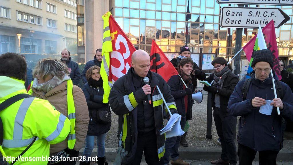 Chartres 14-12-2018 Manifestation CGT FO FSU Solidaires Gilets-Jaunes 06