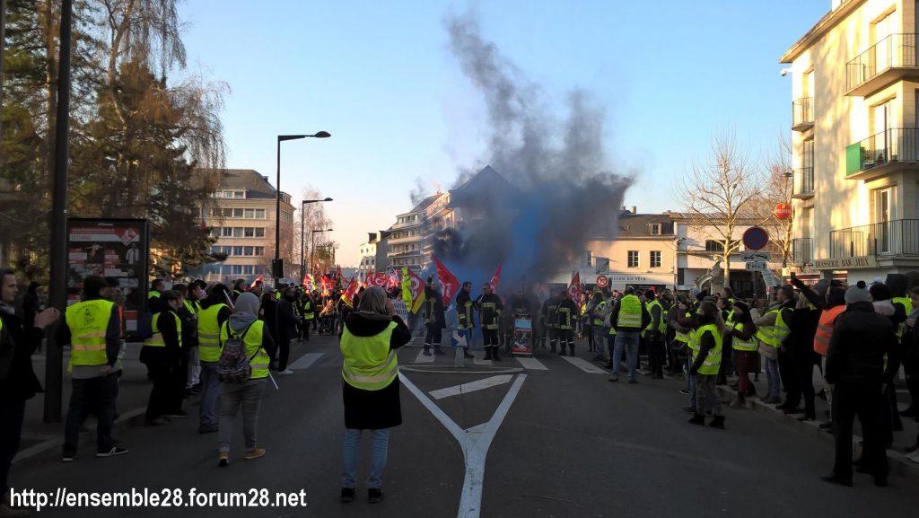 Chartres 14-12-2018 Manifestation CGT FO FSU Solidaires Gilets-Jaunes 08