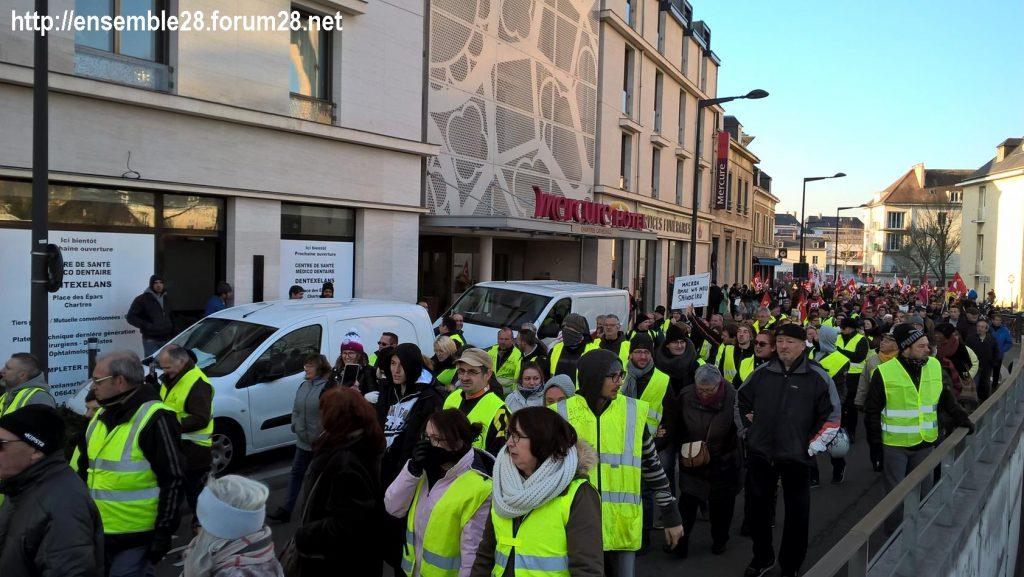 Chartres 14-12-2018 Manifestation CGT FO FSU Solidaires Gilets-Jaunes 10