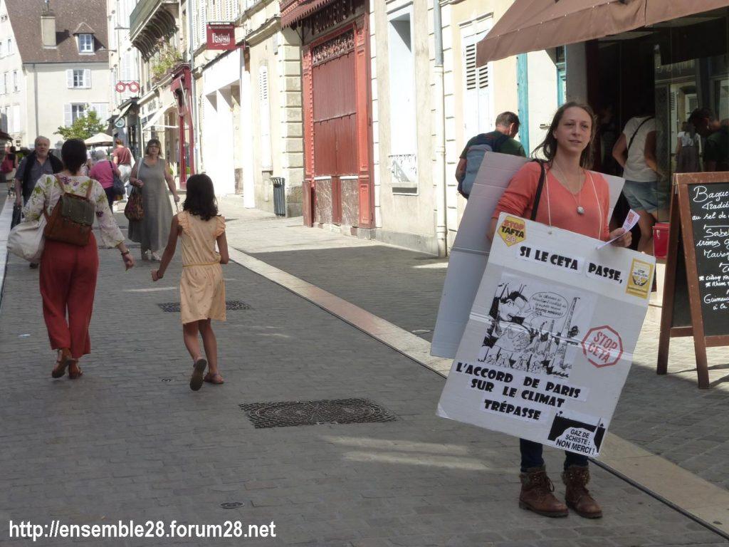 Chartres 13-07-2019 Tractage Stop-TAFTA28 contre le CETA 6