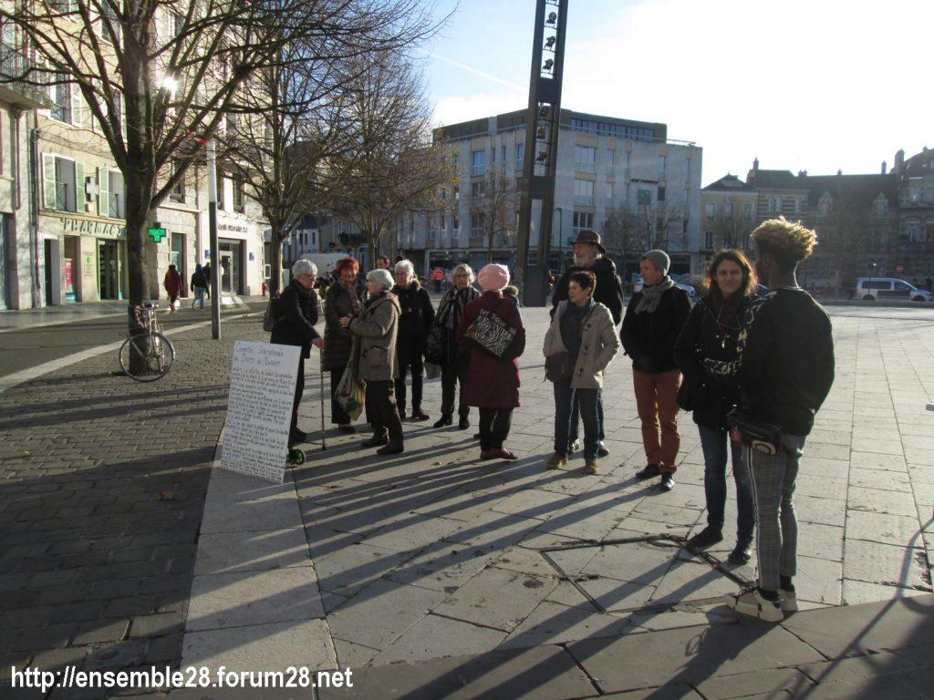 Chartres 20-11-2019 AERéSP Tractage Droits-de-l'Enfant 3