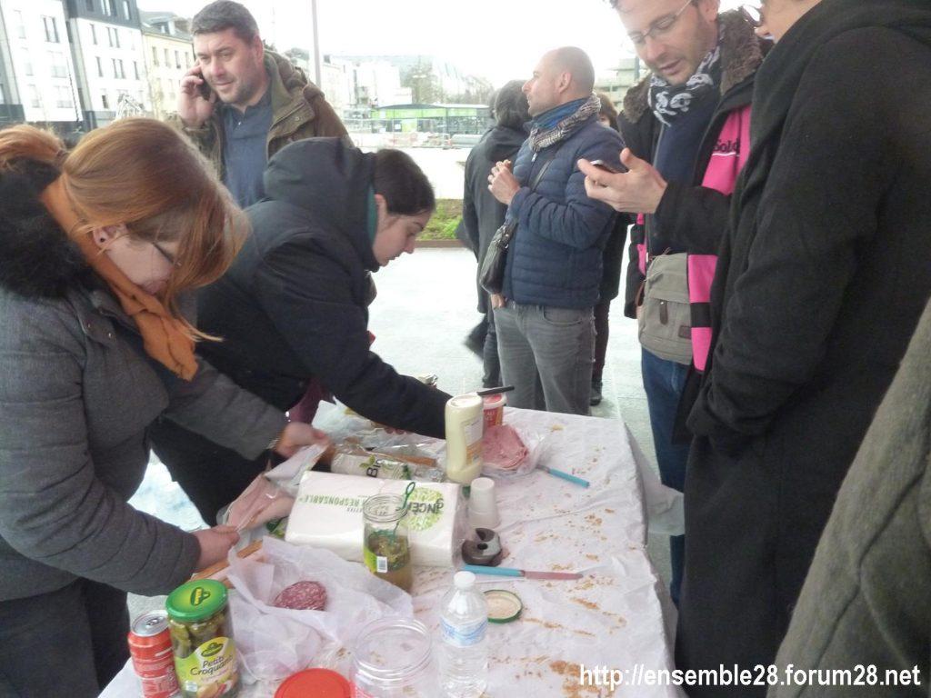 Chartres 09-01-2020 Retraites Pique-nique de soutien aux cheminots grévistes 2