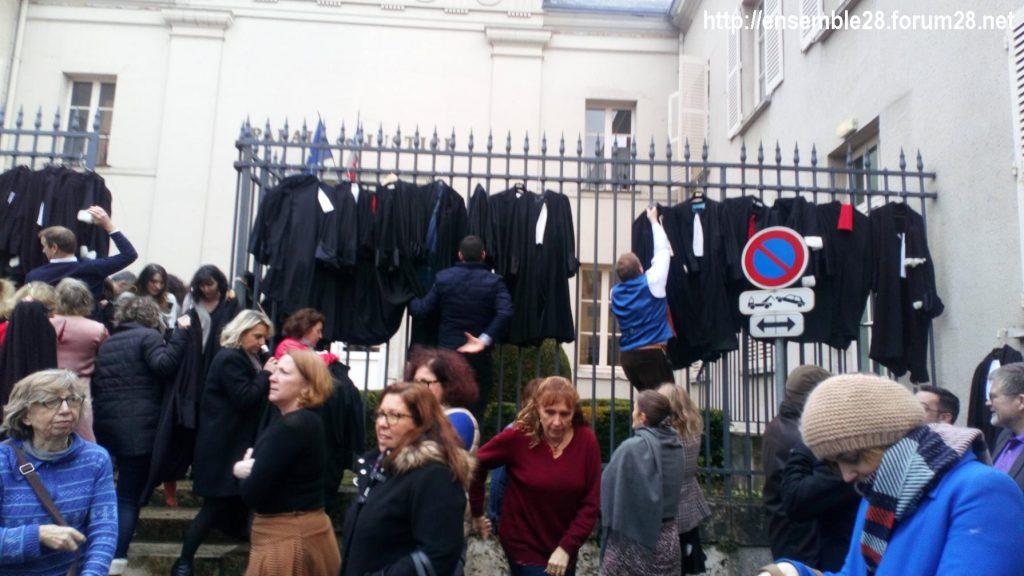 Chartres 12-01-2020 Avocats en colère 5 [Sig.]