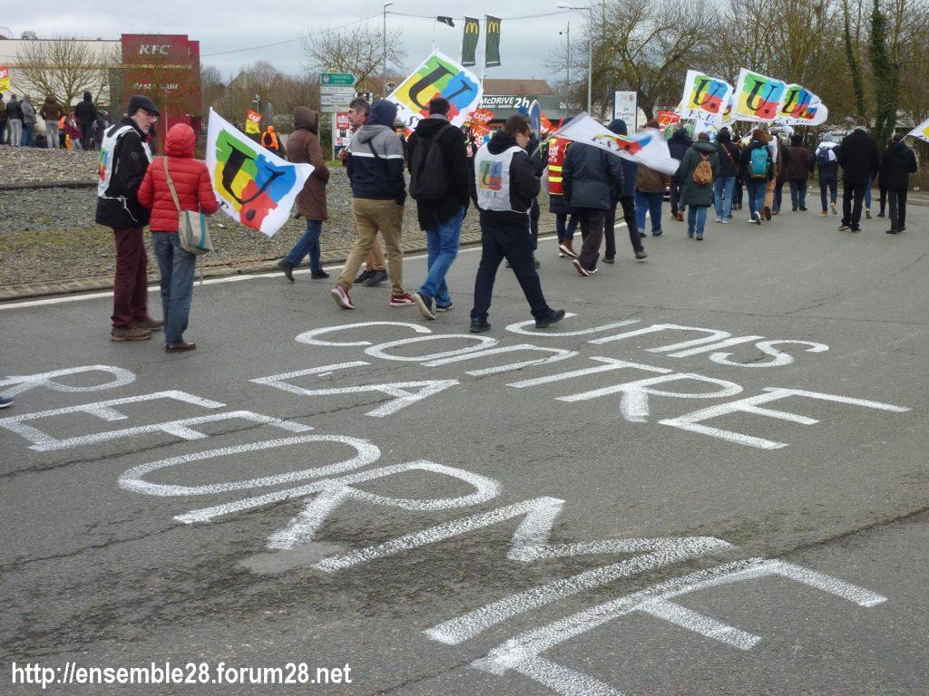 Chartres 14-01-2020 Manifestation Retraites Rond-point MEDEF 07