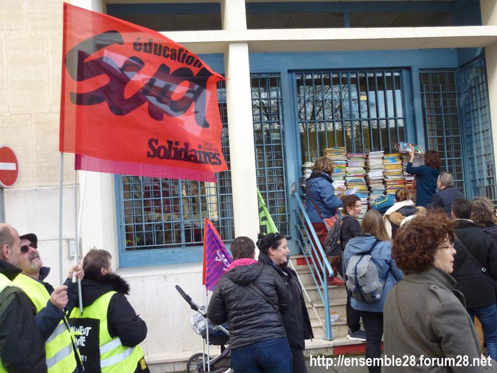 Chartres 29-01-2020 Rassemblement Éducation Des manuels pour Jean-Michel 04